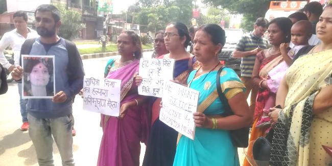 भाजपा में शामिल हुए शशि भूषण मेहता, सुचित्रा के बेटों ने किया विरोध, तो मेहता समर्थकों ने मंच से फेंका