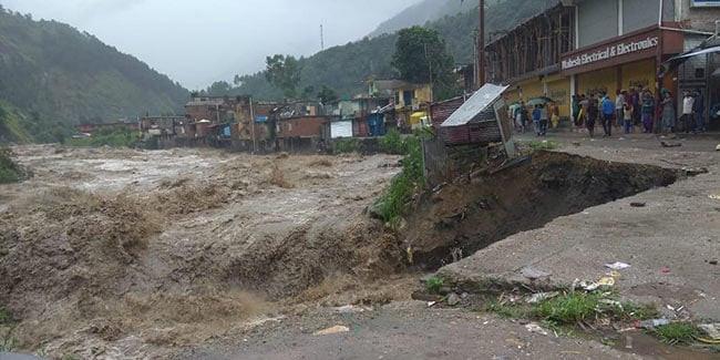 हिमाचल में बारिश से एक और मौत, आकंड़ा पहुंचा 22, 887 सड़कें बंद