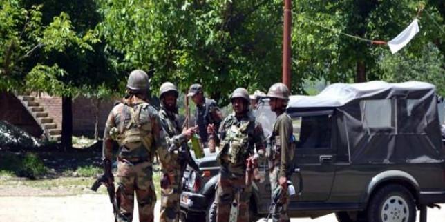 कुपवाड़ा में मुठभेड़ जारी, 3 आतंकी घिरे