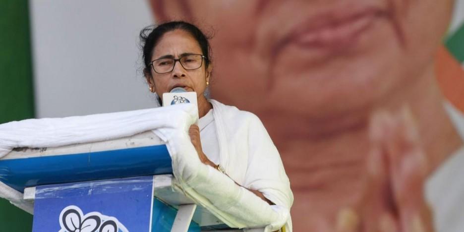 दुर्गा पूजा तक सातवें वेतन आयोग की सिफारिशों पर अमल करेगी ममता सरकार