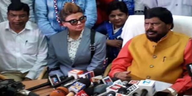 राखी सावंत की पीएम मोदी पर बेबाकी, कहा साक्षात भगवान हैं मोदी