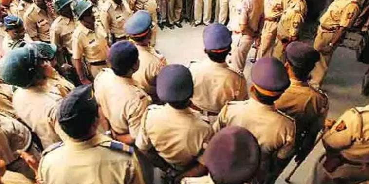 Gujarat govt reshuffles 80 IAS officers