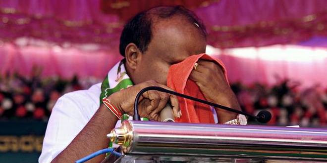Kumaraswamys tears portray party in poor ligh
