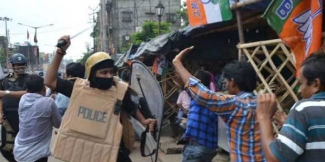 बंगाल में बवाल, पूर्वी मिदनापुर में BJP कार्यकर्ताओं और पुलिस में झड़प