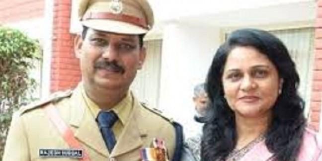 भाजपा प्रत्याशी सुनीता दुग्गल को बड़ा झटका, आईपीएस पति का होगा तबादला
