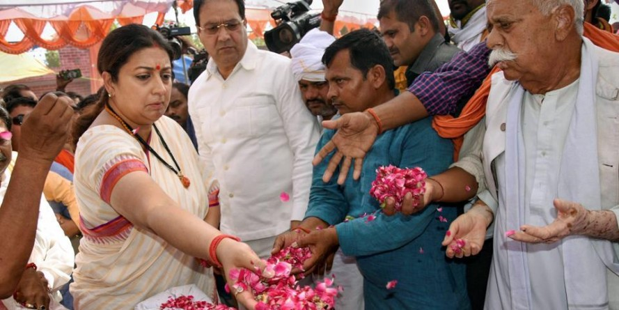 Smriti Irani likely to gift projects to Amethi during thanksgiving visit