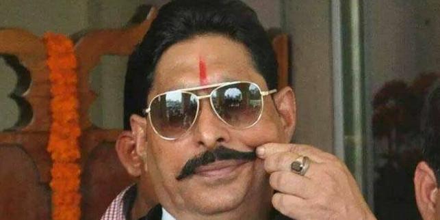 बाहुबली विधायक अनंत सिंह के घर से मिला AK 47, दो बम भी मिले, छोपमारी जारी