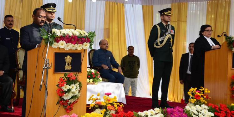 गिरीश चंद्र मुर्मू ने जम्मू-कश्मीर के उपराज्यपाल पद की शपथ ली, आर के माथुर बने लद्दाख के पहले LG
