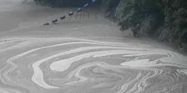 Stranded for four days after cloudburst, 427 tourists evacuated from North Sikkim