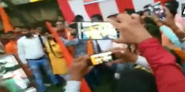 दशहरा पर  हर्ष फायरिंग के चलते 150 बजरंग दल और वीएचपी के कार्यकर्ताओं के खिलाफ मामला दर्ज