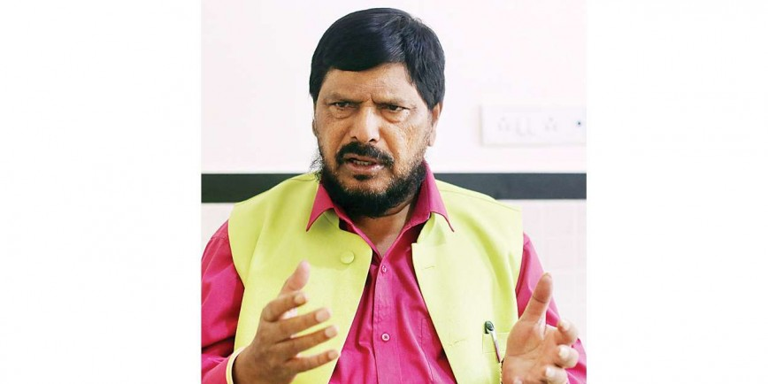 Ramdas Athawale extends a hand of alliance to Prakash Ambedkar