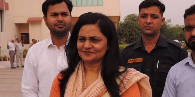 समाज के जरूरतमंद लोगों की करें सहायता : सुनीता दुग्गल