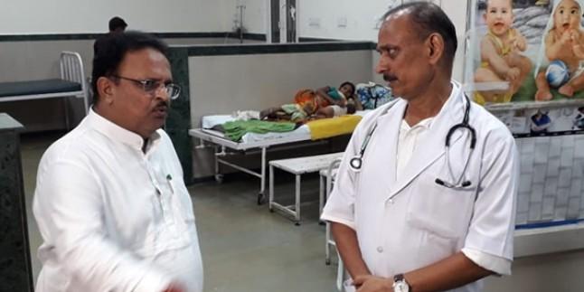 चिकित्सा मंत्री ने दुष्कर्म पीड़िता के स्वास्थ्य की जानकारी ली