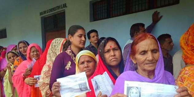 ऊधमपुर-डोडा में मतदान 50 के पार, श्रीनगर में अभी तक 9 प्रतिशत पहुंचा