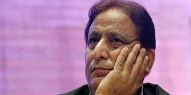 आजम का आरोप, जौहर यूनिवर्सिटी की तलाशी में महिला प्रोफेसरों से बदसलूकी