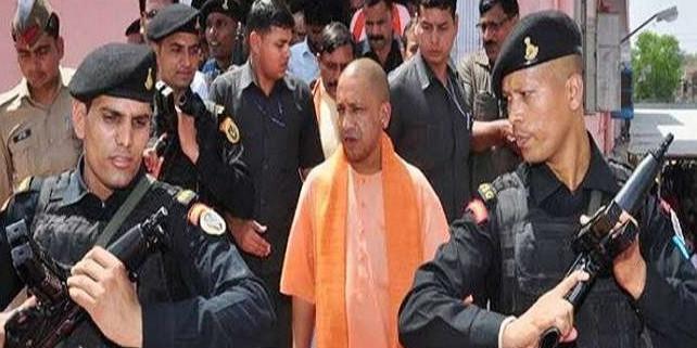 CM योगी आदित्यनाथ की सुरक्षा और सख्त, लोकभवन में बुलेटप्रूफ होंगे मुख्यमंत्री कार्यालय के शीशे