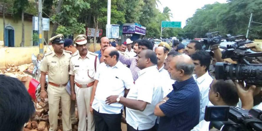 H.D. Kumaraswamy Inspects Saraswathipuram Fire Brigade