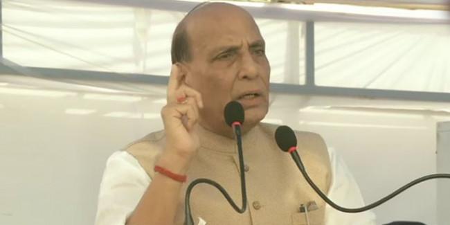 कश्मीर में आंदोलन चलाने वालों से बातचीत संभव, रक्षा मंत्री बोले- 'बैठकर बात करें समस्या क्या है?'