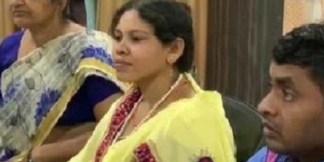नक्सली हमले में हुई थी भाजपा विधायक की मौत, उसी सीट से पत्नी ने भरा नामांकन