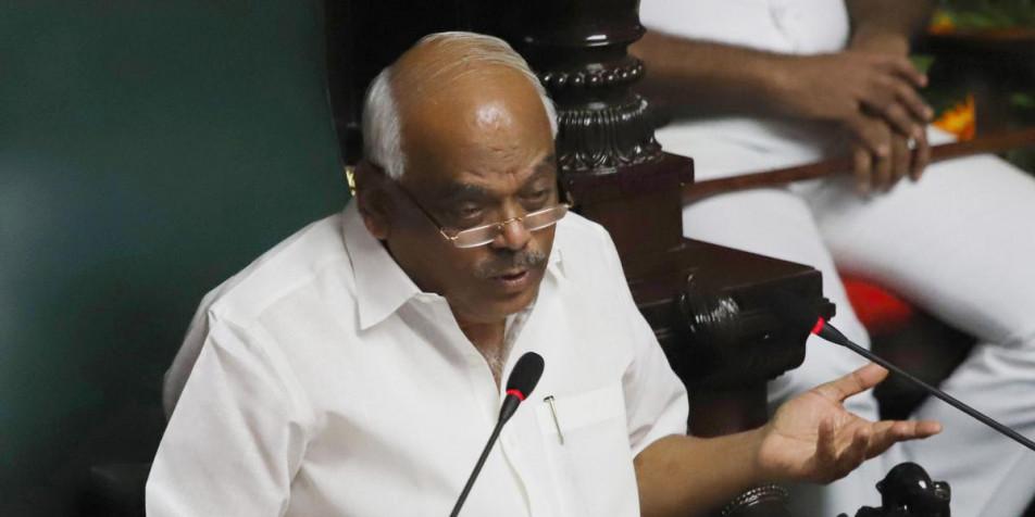 कर्नाटक: 3 विधायक अयोग्य, बाक़ी 14 बाग़ियों का क्या होगा?