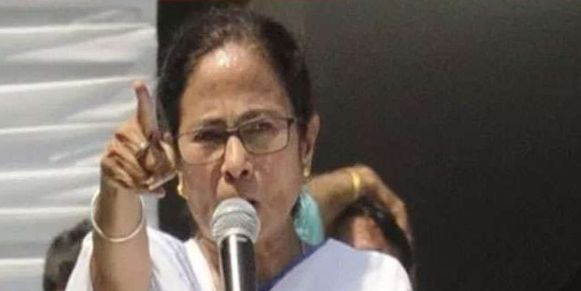 ममता बनर्जी पर एफआइआर करेंगे अर्जुन सिंह, मुख्यमंत्री पर लगाया हत्या की साजिश का आरोप