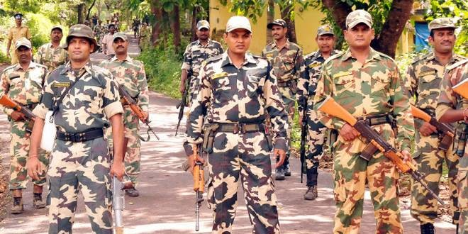 केन्द्र सरकार ने घटाया मिट्टी तेल का कोटा, CRPF जवान ने खुद को मारी गोली