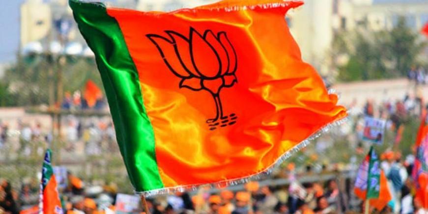 Four new Gujarat BJP lawmakers sworn in, party strength 103