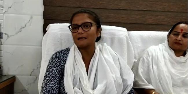 हरियाणा में कांग्रेस नेताओं की गुटबाजी को महिला कांग्रेस अध्यक्ष सुष्मिता देब ने भी किया स्वीकार