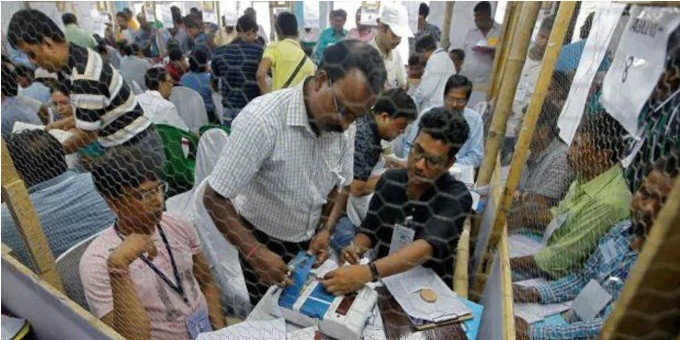 रिपोर्ट में दावा: चार राज्यों की कई सीटों पर मतदान से ज्यादा गिनती किए गए वोट! पटना साहिब और बेगुसराय भी शामिल