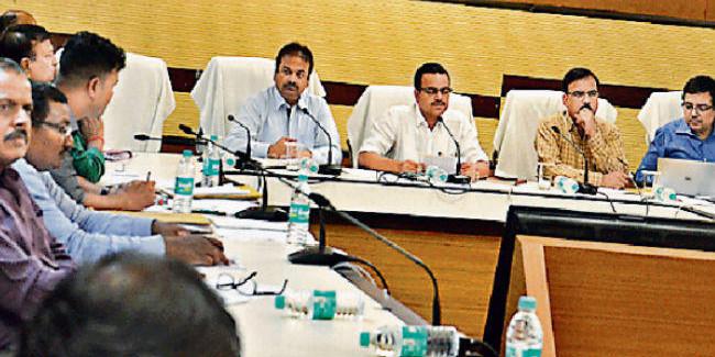 मुख्यमंत्री के प्रधान सचिव ने की वीडियो कांफ्रेंसिंग, कहा - उपायुक्त भी अपने जिले में करें सीधी बात कार्यक्रम