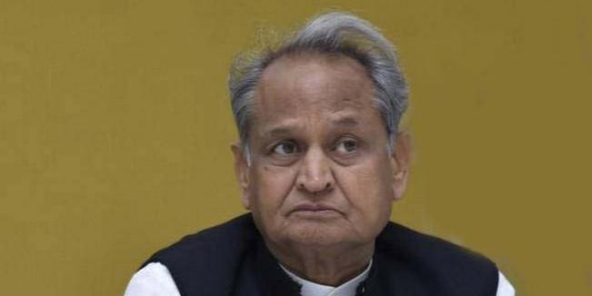 बंगला खाली नहीं किया तो मंत्रियों को राेजाना देने होंगे 10,000 रुपए, विधेयक पास