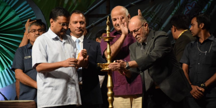 L-G appreciates Kejriwal, Delhi govt for community Diwali