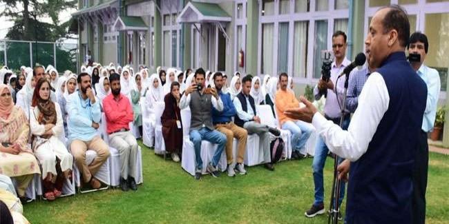 सांस्कृतिक आदान-प्रदान से सुदृढ़ होता है भाईचारा : जयराम ठाकुर
