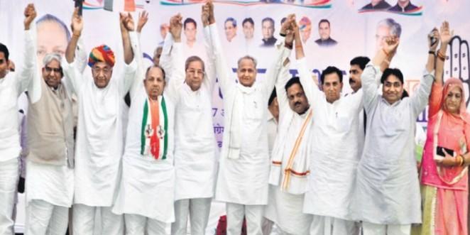मोदी से लोकतंत्र को खतरा, राहुल सबको साथ लेकर चलेंगे : गहलोत