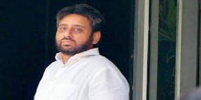 Chargesheet against AAP MLA Amanatullah Khan for assaulting a man
