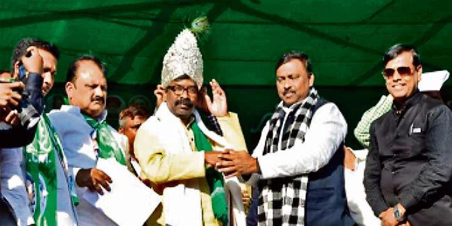 हेमंत सोरेन ने कहा, नक्सली प्रशांत पार्टी सदस्य भी नहीं है, भाजपा ने कहा, गलत बोल रहे हेमंत
