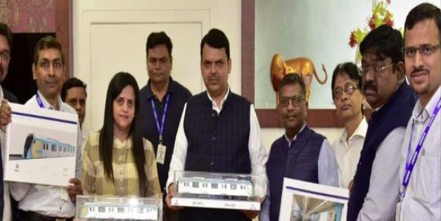 CM Fadnavis unveils model for Mumbai Metro Line 3