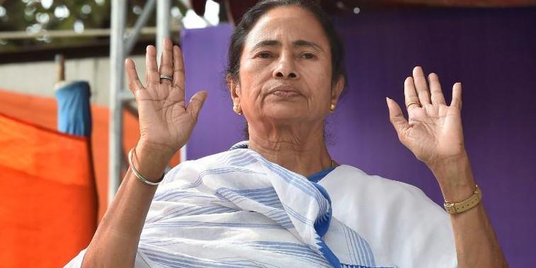 Mamata Banerjee visits Burdwan school, gives Rs 10 lakh for its development