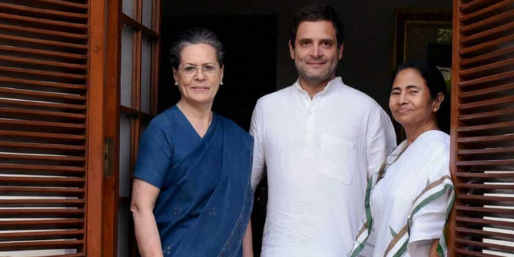 Sonia Gandhi Gives Green Signal to Alliance With Left Front in Bengal, Says State Congress Chief