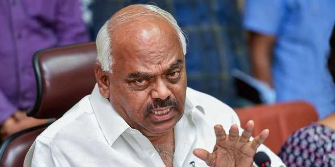 कर्नाटक में फ्लोर टेस्ट आज, स्पीकर पर बरसे बागी विधायक