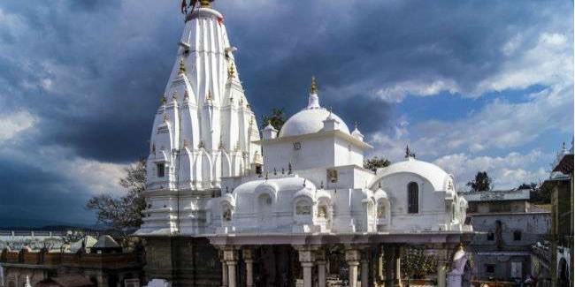श्रीबज्रेश्वरी देवी मंदिर न्यास सीएम राहत कोष में देगा एक करोड़ रुपये, बैठक में विरोध के बावजूद प्रस्ताव मंजूर