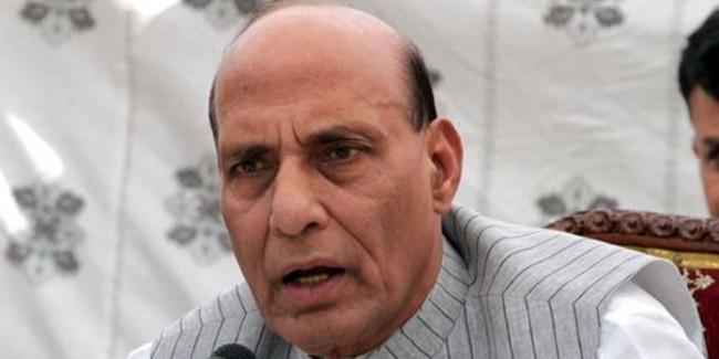 लड़ाकू विमान तेजस में उड़ान भरने वाले पहले रक्षा मंत्री बने राजनाथ