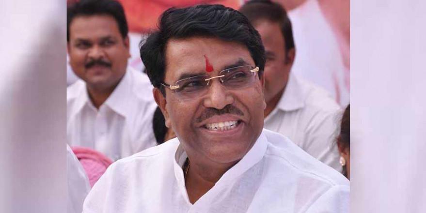 NCP नेता ने लगाया आरोप, महाराष्ट्र में कैबिनेट मंत्री बनने के लिए चाचा ने दिए 50 करोड़