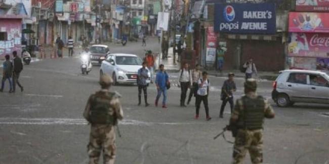 जम्मू में लौटी ईद की रौनक, सात दिन बाद फोन सेवा बहाल
