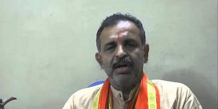 Hindutva leader Milind Ekbote assaulted near Pune