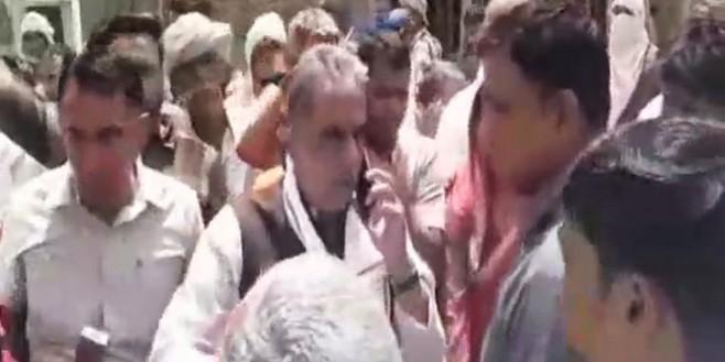 भाजपा प्रत्याशी का रास्ता रोककर विरोध, कार्यकर्ता से धक्का-मुक्की हुई तो गाड़ी में बैठकर भागे