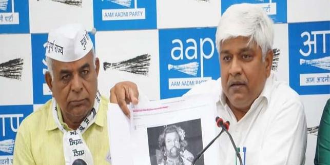 भाजपा प्रत्याशी हंस राज हंस का नामांकन रद कराने कोर्ट जाएगी AAP, लगाया ये गंभीर आरोप