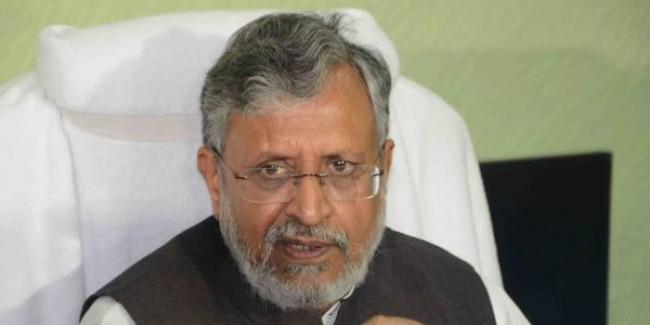 चुनाव आयोग से कांग्रेस करती रही है छेड़छाड़: मोदी