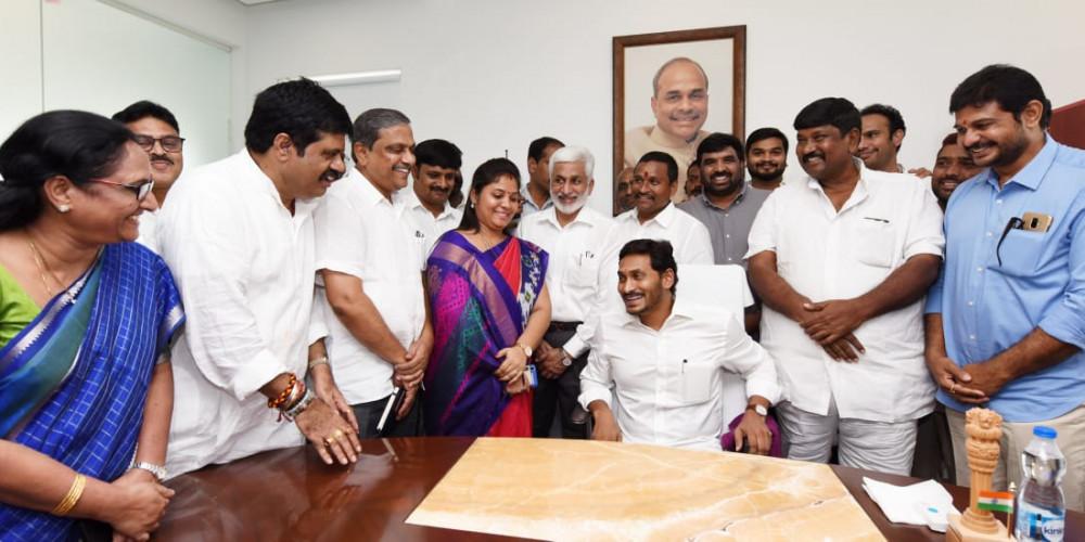 Andhra Pradesh govt ropes in IIM-Ahmedabad to curb corruption