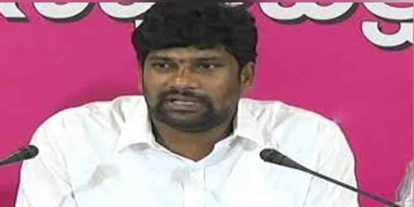 TRS MLA Balka Suman slams BJP leaders